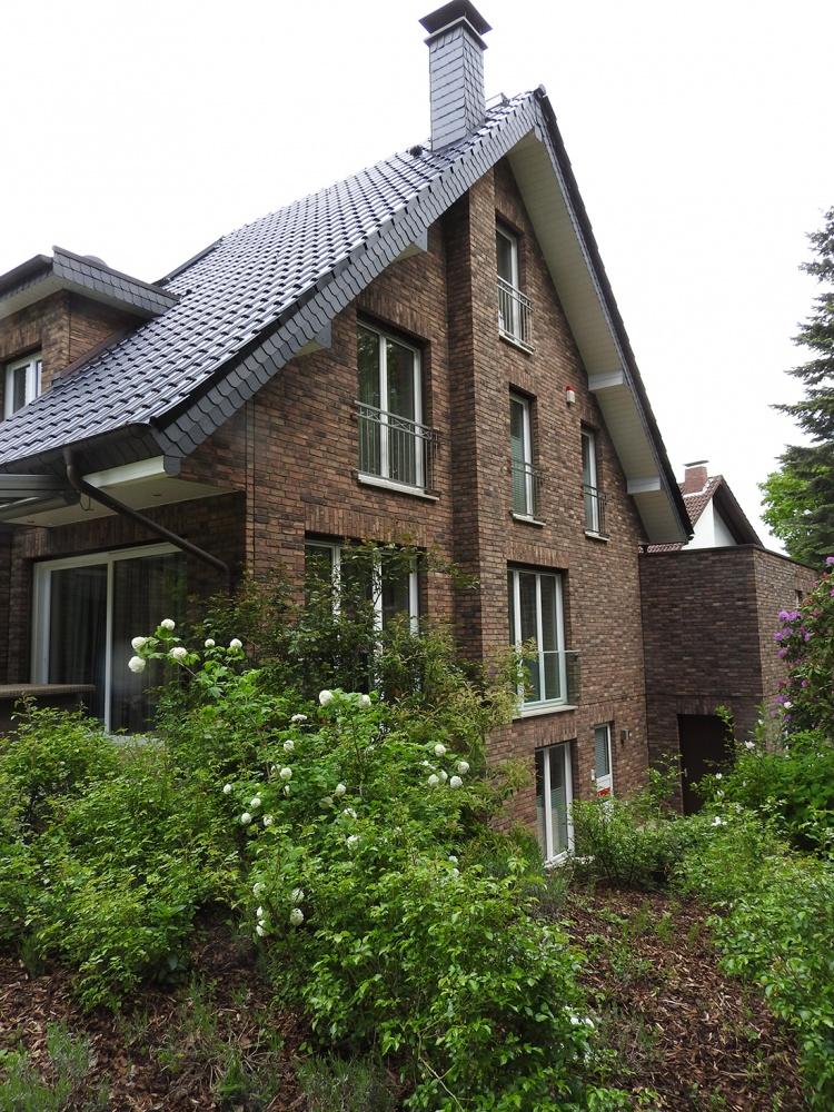 hochmodernes einfamilienhaus mit doppelgarage in witten ruhr planungsb ro heiner f nger. Black Bedroom Furniture Sets. Home Design Ideas